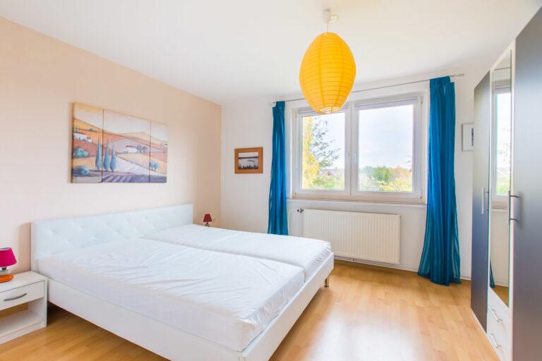 Wohnung OG rechts - Schlafzimmer
